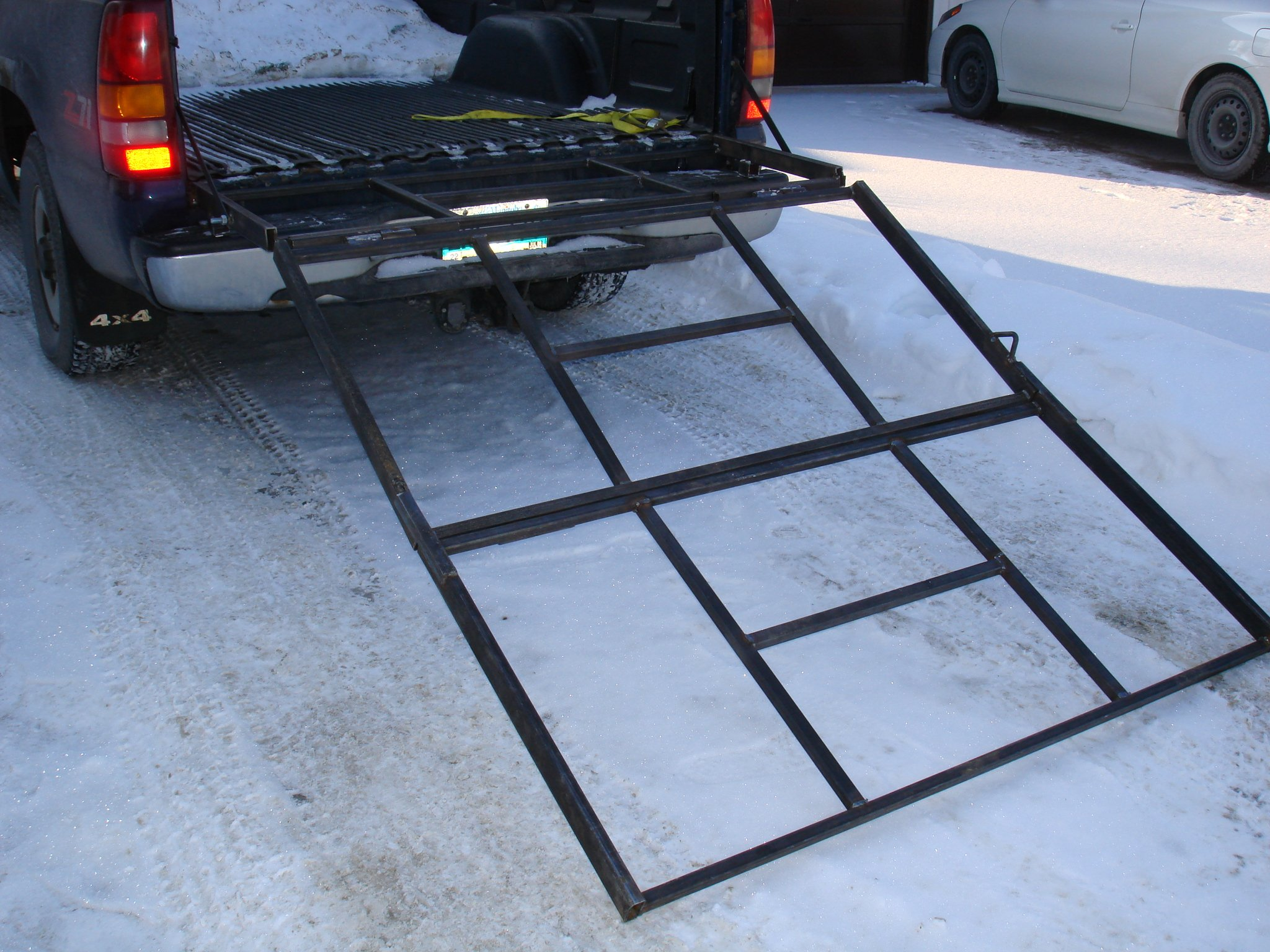 built a snowmobile ramp for my truck-dsc03100.jpg