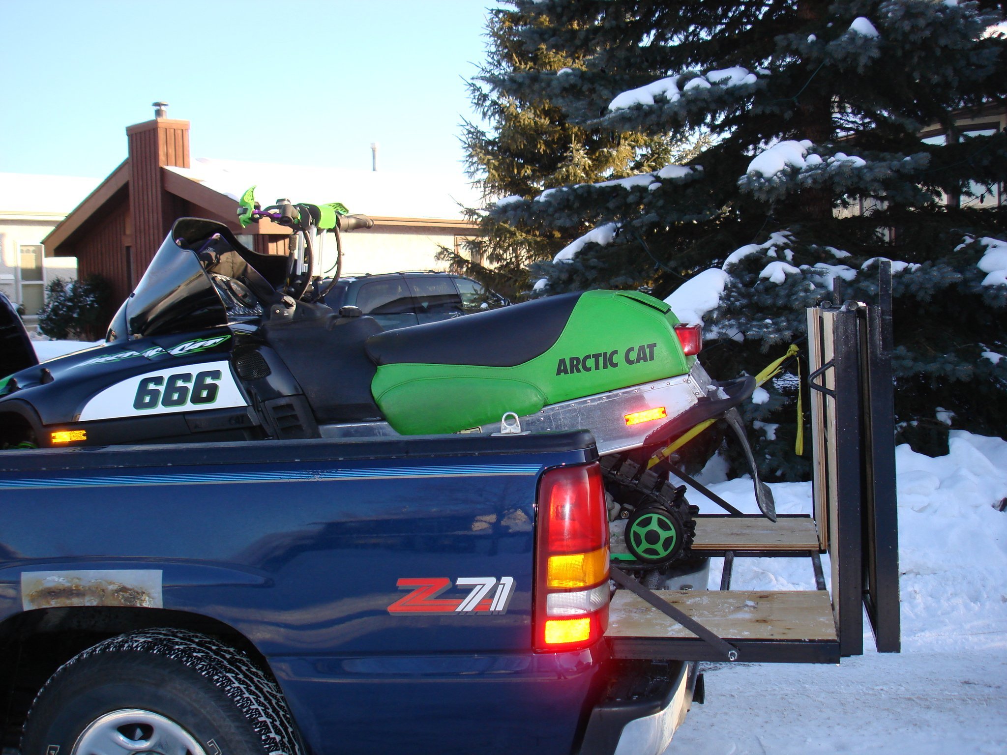 built a snowmobile ramp for my truck-dsc03117.jpg