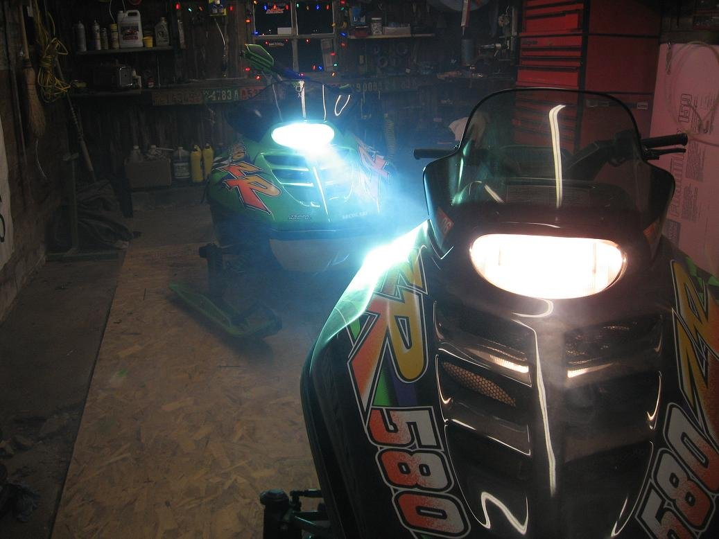 Has Anyone Put Hid Lights In A Zr Arctic Cat Forum Zl 440 Wiring Diagram Click Image For Larger Version Name Img 0210 Views 476 Size 942