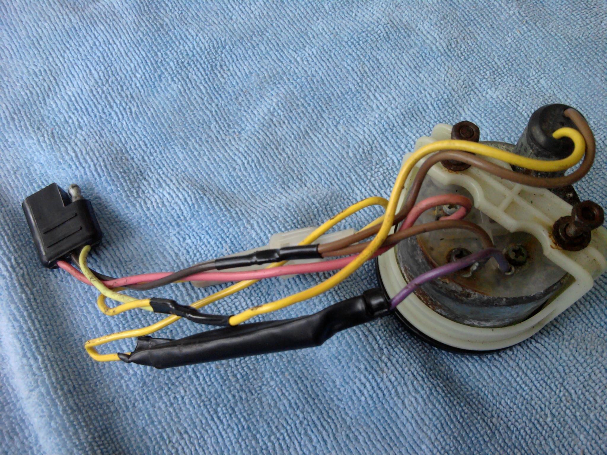 Need Help Installing Temp Gauge 95 Zrt 800